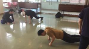 クラスがない期間は、その分、自宅でじっくりとトレーニングして心身や動きを練る絶好の機会だと思いますね。
