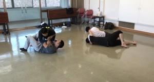 【8/25(土)システマ南埼玉の練習風景⑤】 今回のクラスで練習した内容を全て活かしてのスパーリング。まずは、グラウンドでのレスリング&プッシュ、プッシュキックというルールで行いました。