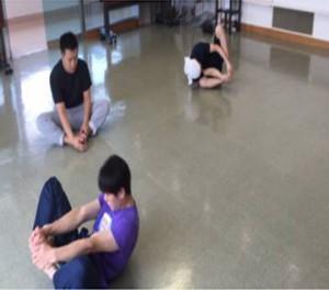 座禅転がりはシステマ南埼玉では超定番ワークです。日本で一番、座禅転がりをやっているグループなんじゃないかと思います。