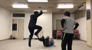 猪木vsアリ状態を打破するために、桜庭ばりのジャンプも試したりしました。まあ、実際にやると危ないのでフリだけですが。
