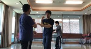 【4/20(土)システマ南埼玉の練習風景⑦】 続いて第2ラウンド。自分はシステマ東埼玉のT師匠との対戦。