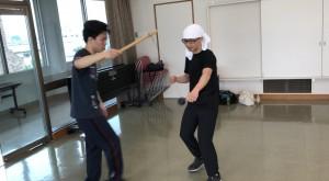 【6/8(土)システマ南埼玉の練習風景①】 ボクシングボールを打つ練習。ボクシング的なパンチと、システマのストライクの両方を試してもらいました。