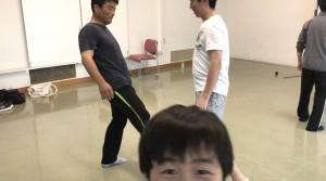 【6/15(土)システマ南埼玉の練習風景②】 クラス終盤のフリーワーク。まずは、キックのみを使ったスパー。