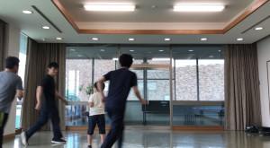【7/20(土)システマ南埼玉の練習風景④】 続いて、自分が受け手となり複数の対処をしました。