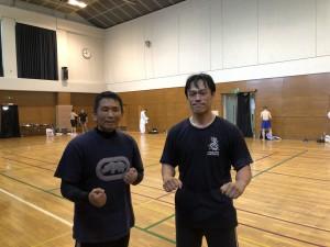 稽古会の終了後、システマ東埼玉のT師匠と記念写真を撮りました。こういう場でシステマの練習仲間と交流するのも刺激的で面白かったです。