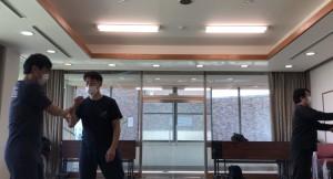 【2/29(土)システマ南埼玉の練習風景③】 武器を使って養ったコネクト感覚を生かして、ホールドへの対処やレスリングもやってみました。